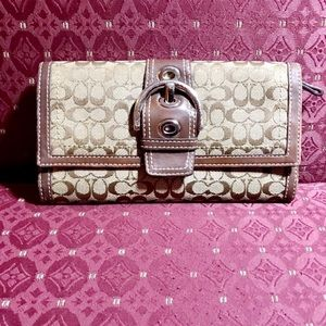 AUTHENTIC COACH SOHO SIGNATURE TRIFOLD WALLET